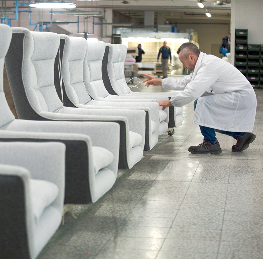 Calia Italia - The making of a Calia Italia sofa - 6 - Quality control.