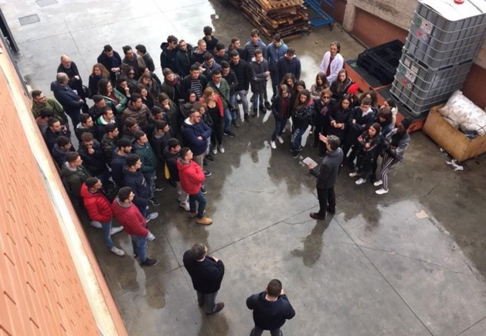 Calia Italia - PMI DAY INDUSTRIAMOCI: La Scuola entra in Azienda